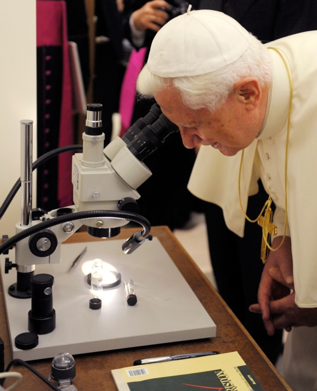 Pope Benedict XVI visits the new home of the Vatican Observatory in Castelgandolfo